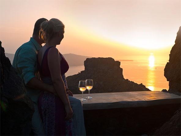 Honeymoon Petra Villa Santorini