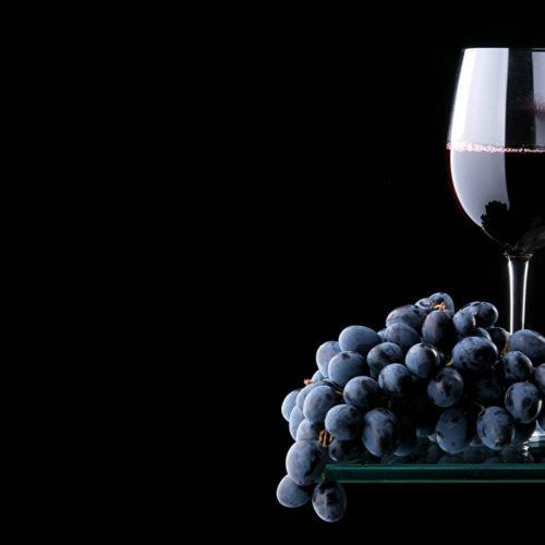 Η  0006 Grapes Wine Black Background Stemware 512143 1366x768